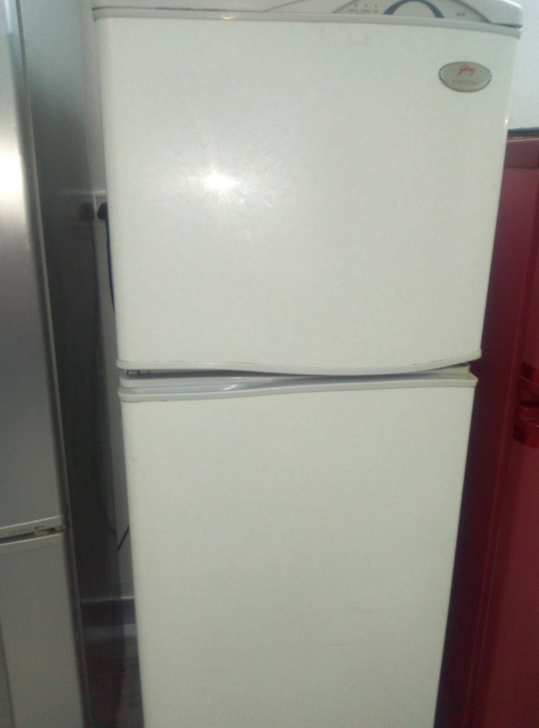 USED 280LTR REFRIGERATORE